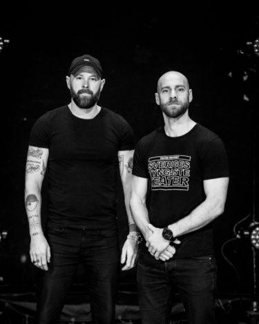 """Ulf Stenberg och Emil Rosén från Teater Fryshuset medverkar i Natur och Kulturs poddserie """"Kurage"""""""